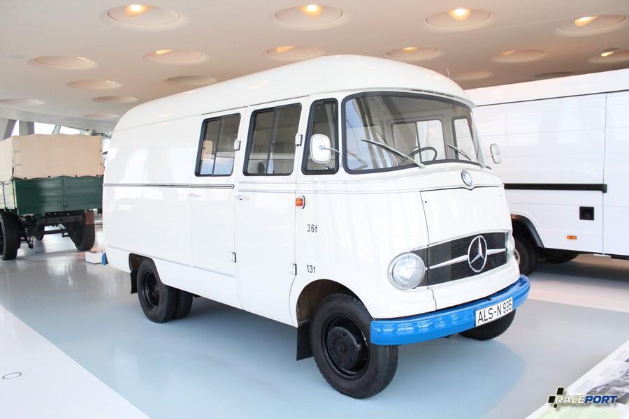 Классный фургончик MB L 406 Kastenwagen