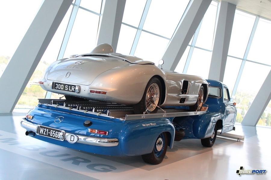 Бомба! Эвакуатор для гоночных автомобилей. 1955 Mercedes-Benz Rennwagen-Schnelltransporter. 6 цил. 2996 куб см. 192 л.с. 5500 об/мин. Макс. скорость 170 км/ч