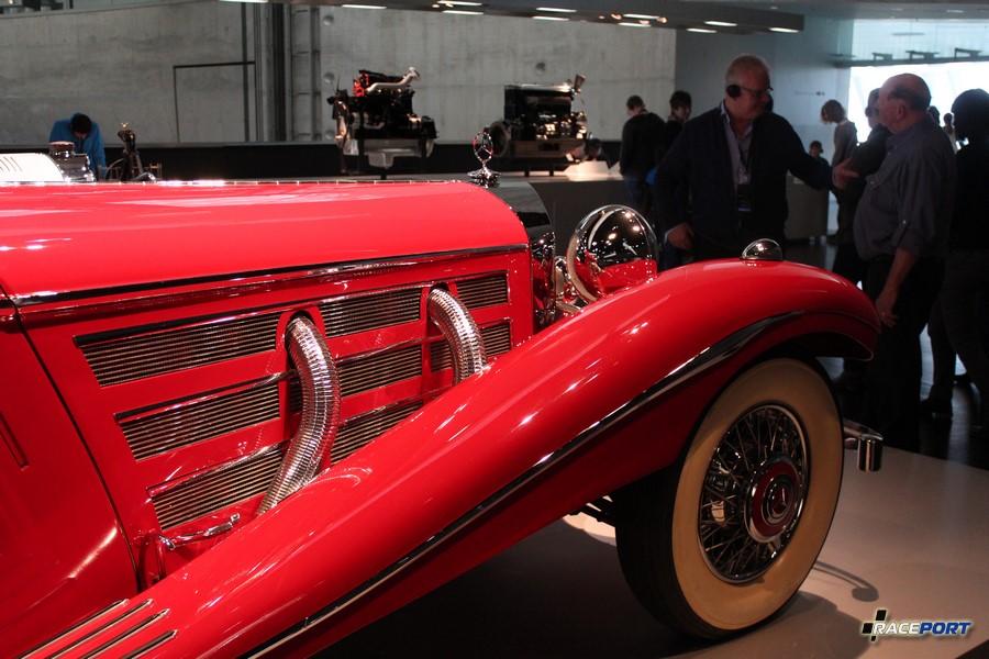 1936 Mercedes Benz 500 K Spezial-Roadster 8 цил. 5018 куб см. 100 л.с. атмо и 160 л. с. с компрессором 3400 об/мин. Макс. скорость 160 км/ч В период с 1934 по 1939 года выпущено 342 экземпляра.