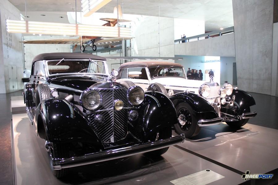 Черный на фото MB 770 Grober Mercedes offener Tourenwagen 8 цил. 7655 куб см. 150 л.с. атмо и 200 л. с. с компрессором 2800 об/мин. Макс. скорость 160 км/ч В период с 1930 по 1938 года выпущено 117 экземпляра.