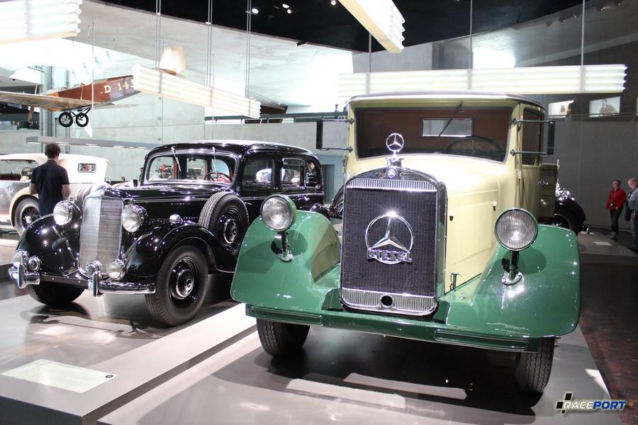На втором плане Mercedes-Benz 260 D Pullman-Limousine