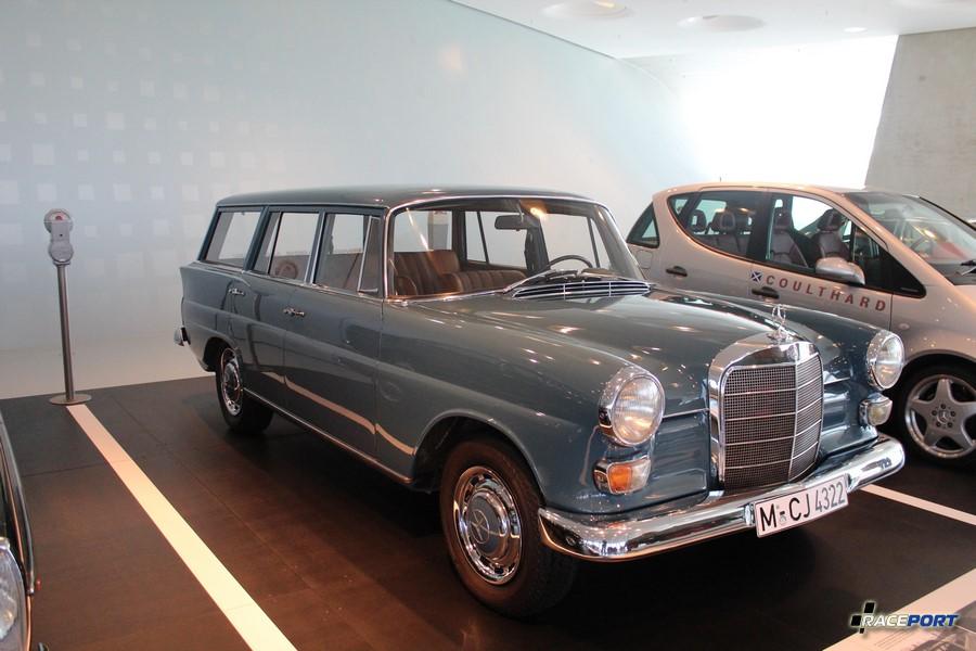 1967 Мерседес Бенц 200 D Universal. Выпущено 159365 штук