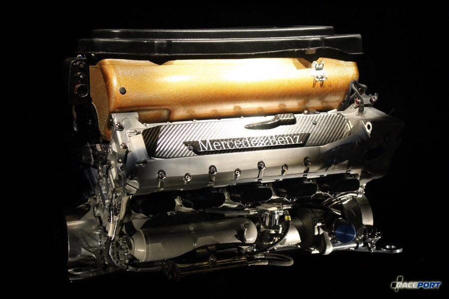 2002 Формульный мотор F O 110 M. V10 2998 куб см 870 л. с. 18300 об/мин