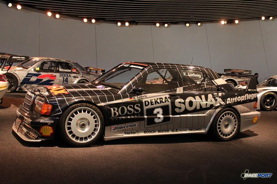 1992 W201 AMG 190 E 2.5 16 Evolution II DTM Tourenwagen. 4 2488 куб см, 373 л. с. при 9500 об/мин, максимальная скорость 300 км/ч
