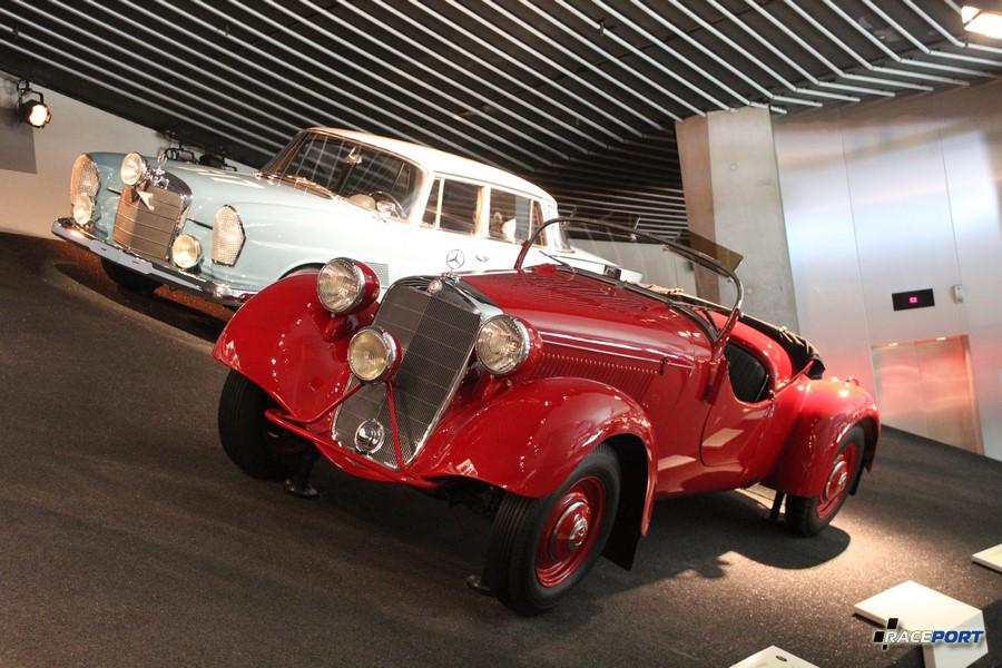 1939 Mercedes Benz 230 S Gelandesportwagen. 6 2291 куб см, 55 л. с. при 3500 об/мин, максимальная скорость 130 км/ч