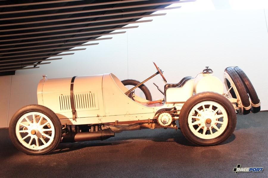 1908 Benz Grand Prix Rennwagen. 4 цил. 12060 куб см, 120 л. с. при 1500 об/мин, максимальная скорость 163 км/ч