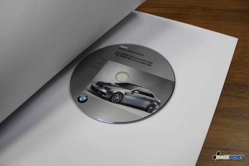 Это проспект нам подарили когда BMW M3 в кузове Е92 еще была концептом. Буклет с диском нам привезли с выставки Франкфурт.