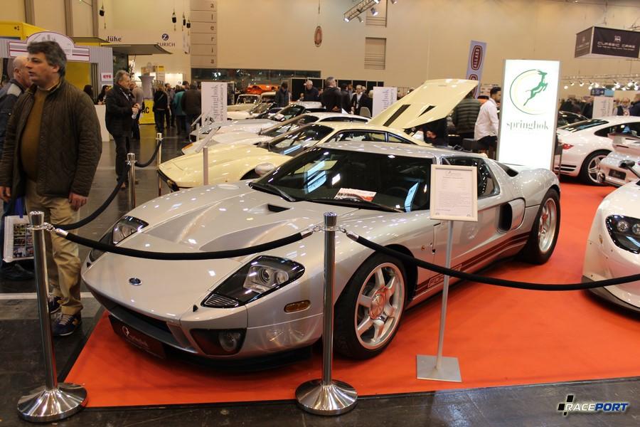 Ford GT 2005 г. 558 л. с. 5409 куб см