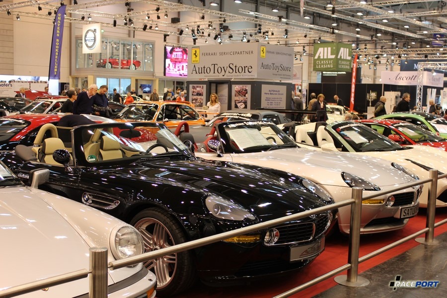BMW Z8 Roadster в кузове E52. Очень внушительное количество машин располагалось на выставке