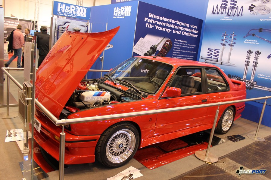 BMW E30 M3 Evolution II 1988 г. в. 2.3 л, 220 л. с. 1165 кг (185 из 500) на стенде H&R