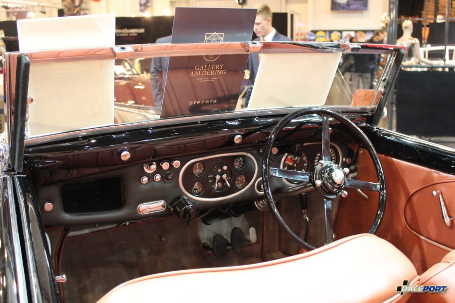 Interior Bentley 4 1/4 Litre Drophead Coupe 1936 г. в. 439 950 Euro