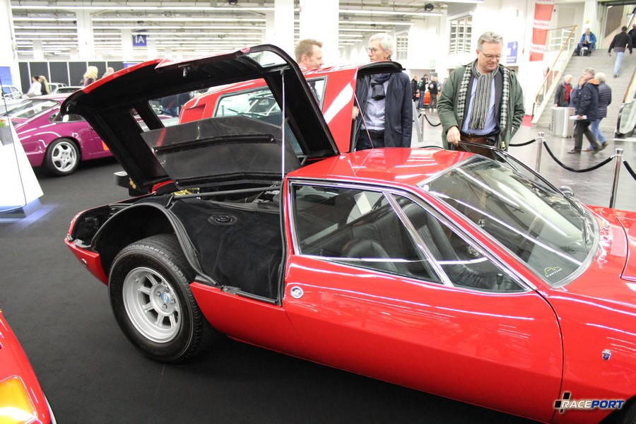 1970 De Tomaso Mangusta, 230 Hp, 6900 mils, 370 000 Euro
