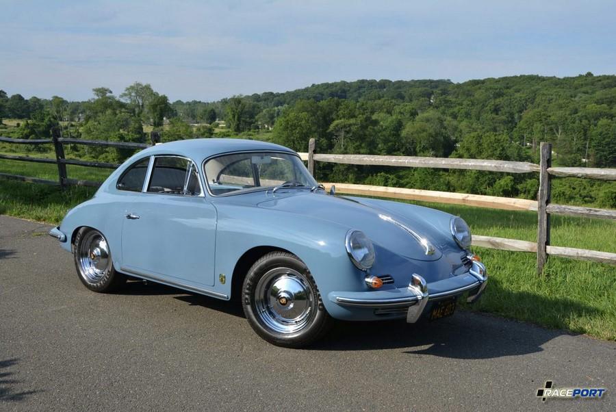 Porsche 356 в цвете Aetna Blue, модель 1960х годов