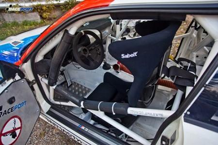 Сидение Sabelt на автомобиле чемпионе Maxpowercars