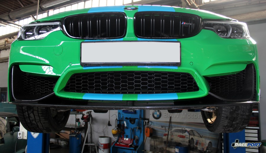 project BMW M4 Competition F82 raceport. Brake ducts