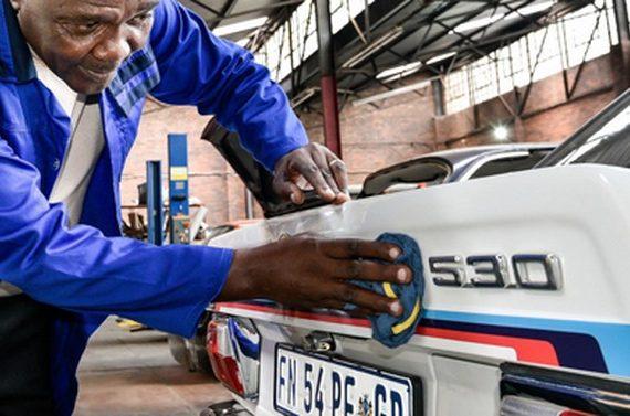 BMW 530MLE Из Южной Африки [E12]